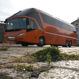 Orangebuss snettfram